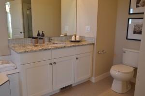 bathroom-1078917_1280